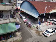 城西市场临街铺面一楼整层出租
