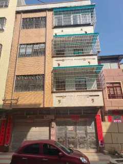 大润发后面私宅出售占地面积106平建四层,