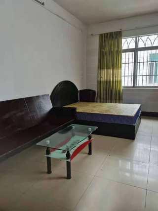 单间配套出租,一至三楼,价格不同,环境不错,安静光亮